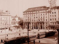 Eastern side of the Main square #old #Zagreb #old #pictures #oldtimes #blacknwhite #photography #CasaBlanca #18century #19century #timemachine