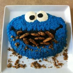 DIY Cookie Monster Cake Tutorial- love all the cookies crumbled in the mouth! Torta Candy, Bolo Original, Rodjendanske Torte, Cookie Monster Party, Cake Tutorial, Cute Cakes, Creative Cakes, Cupcake Cookies, Party Cakes