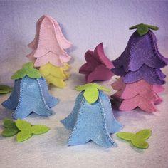Ich nähe zur Zeit Filzglockenblumen: der Frühling kann kommen! filz - basteln mit filz - glockenblume - filzblume - feltcraft - bellflower - feltflower - frühling - frühlingsdeko - nähen - sewing - diy - handmade - spring - springtime - pastell - decoration - feltro - fieltro - floresdefieltro - ostern - easter