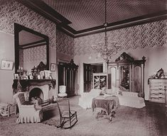 Cleveland bedroom White House 1893 – Vintage Home Decor White House Interior, Home Interior Design, Vintage Interiors, Vintage Home Decor, Victorian Interiors, Victorian Houses, Washington Dc Attractions, Discount Bedroom Furniture, White Bedroom