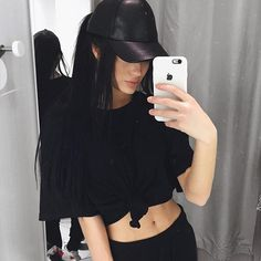 ginizzle (Gina Lorena M Gina Lorena, Swag Style, My Style, Stylish Photo Pose, Leather Baseball Cap, Outfits Mujer, Vogue, Cute Girl Photo, Winter Hats For Women