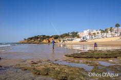 É uma pequena vila piscatória localizada a cerca de 10kms do centro de Albufeira que os últimos anos também cresceu em volta da sua praia principal...