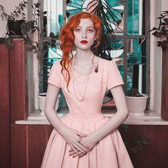 Lady  40s  #50s #1950s #1940s #1930s #vintagefashion #vintage #vintagelove #antique #redrose #oldschool #truevintageootd #vintagehair #retro  #retrostyle  #1920s #ретро #pinup #vintagedress #redhair #pinupstyle #1930 #vintagegirl #1950  #victorian #vintagelook #vintageinspired  #rockabilly #pincurl  #pink #40s Vintage Girls, Vintage Love, Vintage Dresses, Retro Vintage, 1930s Hair, Retro Fashion, Vintage Fashion, Short Red Hair, Silhouette