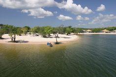 alter do chão, pará | praia de água doce formada pelo rio tapajós | foto: andré penner/samba photo