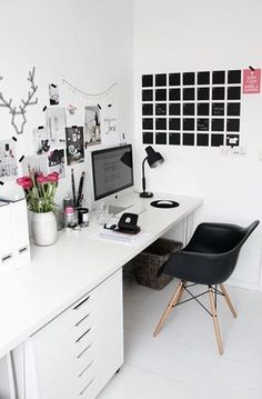 Design your home office space in a beautiful and feminine way even if you're decorating on a budget! These small office layout ideas and home office space ideas are gorgeous! See all Pictures of Small Home Office Space ideas for Women Home Office Space, Office Workspace, Home Office Design, Home Office Decor, House Design, Office Ideas, Small Office, Office Designs, Organized Office