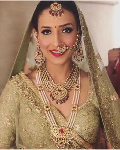 22 Exquisite Jewellery Combinations for Indian Brides + Bridal Necklace Ideas Bridal Looks, Bridal Style, Lehenga Color Combinations, Indian Wedding Jewelry, Bridal Jewellery, Bridal Nose Ring, Pakistani Bridal Wear, Indian Bridal, Bridal Photography