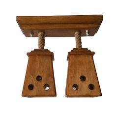 Produsul este lucrat manual. Materialul este uscat si lacuit pentru o buna conservare a lemnului. Functioneaza cu 2 becuri cu soclu de tip E27, becurile nefiind incluse in pret Produsul este realizat din materiale naturale Detalii produs Talpa care se fixeaza pe tavan Dimensiuni: lungime 32 cm/latime 12 cm/inaltime 4,5 cm Abajur/corp lustra Dimensiuni: lungime 12 cm/latime 12 cm/inaltime 18 cm Inaltime totala 31cm Greutate: 3 Kg Materiale: lemn de fag, lemn de molid si iuta Bathroom Hooks