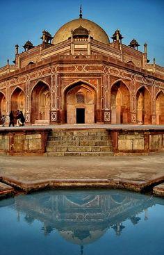 mgd0101:    Humayun's Tomb, Delhi, India via http://pinterest.com/juliroo/