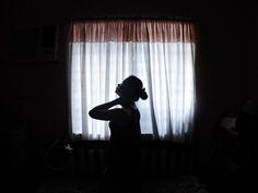 """""""Sakit batok pose"""" sa cgeg huna-huna og mga problema. // Lisod ning mag-inusara ta makabuang gamay //  #silhouette #selfportrait #selca #vsco #vscocam by donnatott14"""