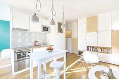 La cuisine d'une petite surface aménagée à Paris