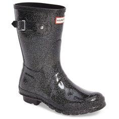 Designer Clothes, Shoes & Bags for Women Wellies Rain Boots, Hunter Rain Boots, Shiny Boots, Fashion Shoot, Fashion Trends, Hunter Original, Wellington Boot, Black Glitter, Black Rubber