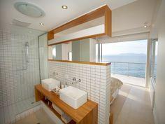 Classic bathroom design with floor-to-ceiling windows using tiles - Bathroom Photo 461305