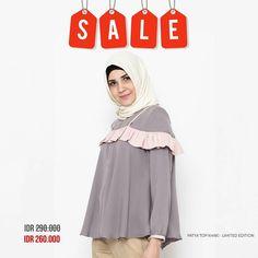 Assalamualaikum ladies. Good morning  . Mega year end sale masih lanjut loh di tahun baru ini. Kali ini item limited edition akan sale dengan harga yang bikin kamu surpriseeee... . Daan karena ini limited edition jangan sampai kehabisan ya ladies.  Cepet cek di www.eclemix.com atau kontak admin di:  line@ : @eclemix  WA: 08132604010 . Happy hunting ... banyak koleksi baru juga loh ladies  . #sale #2018 #ootd #fashion #hijab #eclemix #beauty #bandung #top #hijabfashion