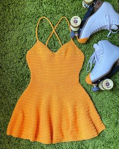 Sewing Clothes, Crochet Clothes, Diy Clothes, Diy Crochet Top, Crochet Crafts, Basic Crochet Stitches, Thread Crochet, Motif Bikini, Diy Fashion Projects