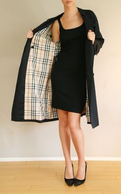 LONG BURBERRY COAT - perfect to wear with dresses