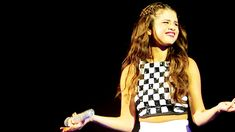 Cambio - How Selena Gomez Might Have Reacted to Justin Bieber's Arrest (in GIFS)