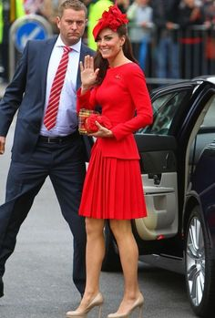 GoS: Kate Middleton - Red Dress Diamond Jubilee River Pageant