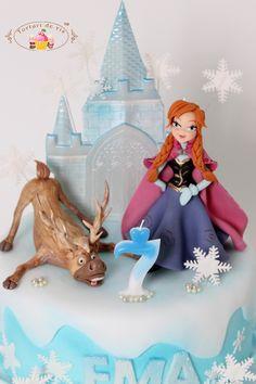 Tort Frozen pentru Ema