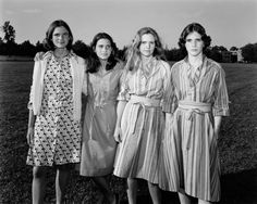 4 Sisters Take The Same Picture For 40 Years. Their Transformation Is Stunning