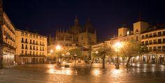 Segovia, as viewed from the Plaza Mayor at night. - The cathedral in Segovia viewed from the Plaza Mayor at night.
