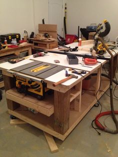 Fitting the tablesaw into the table