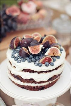 Delicious cake with seasonal fruits.