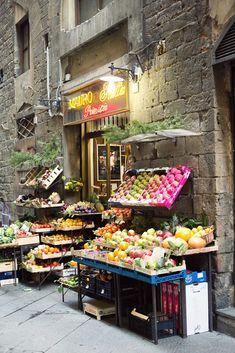 Mauro's Fruit Store streetside display in Florence, Italy. AnnStreetStudio.com web loc: FlorenceSightSee_15.jpg