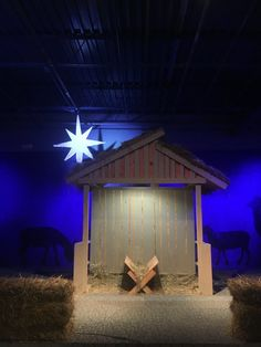 Staged Stable - Church Stage Design Ideas - Scenic sets and stage design ideas from churches around the globe. Christmas Stage Design, Church Christmas Decorations, Ward Christmas Party, Church Stage Design, Christmas Program, Christmas Nativity Scene, Christmas Diy, Kirchen, Design Ideas