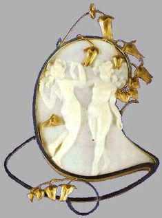 RENE LALIQUE, 'Suzanne,' An Opalescent Glass Statuette, model introduced 1925. Signed René Lalique.