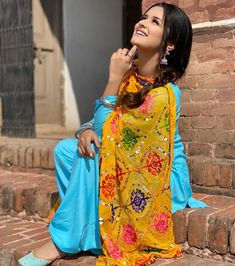 Stylish Photo Pose, Stylish Girls Photos, Stylish Girl Pic, Cute Girl Poses, Girl Photo Poses, Girl Photos, Indian Designer Outfits, Indian Outfits, Punjabi Girls