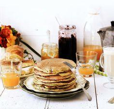 Pratos e Travessas: Panquecas integrais com arandos # Whole rye and wheat cranberry pancakes | Food, photography and stories