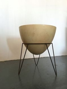 """h 19"""" dia 15.5"""" 