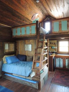 there is a double bed above so that up to 4 people can sleep here comfortably.