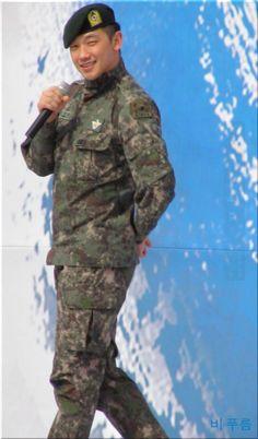 Rain at the Gyeryeong Army Festival. (10/12 &13)