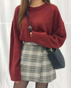 Damen Rock Outfit - Chi yeon - - Damen Rock Outfit - Chi yeon Source by pinthroughcom skirt outfits Basic Outfits, Winter Fashion Outfits, Mode Outfits, Cute Casual Outfits, Look Fashion, Skirt Fashion, Korean Fashion, Womens Fashion, Ladies Fashion