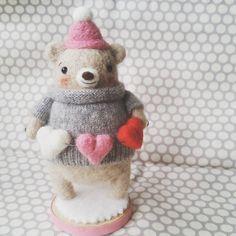 «Valentines bear! ♡ #needlefelting #needlefelted #bear #valentinesday #wool #felt #kawaii #oneofakind #artistbear #handmade»