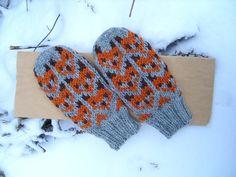 Knitting Socks, Hand Knitting, Knit Socks, Knitted Poppies, Mittens, Knit Crochet, Gloves, Cross Stitch, Free