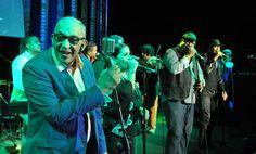 Salsa-Legende Juan Formell gestorben - Der kubanische Salsa-Musiker Juan Formell ist tot. Er starb am Donnerstag im Alter von 71 Jahren, wie das staatliche Fernsehen berichtete. Mehr dazu hier:  (Bild: epa)