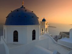 Greece... A beautiful place my whole family has been to and I have seen many picture. I plan to see this epic view in person eventually :)