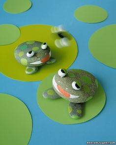Frog Rock Crafts for kids. Paint rocks to look like frogs. Kids Crafts, Frog Crafts, Summer Crafts For Kids, Summer Kids, Crafts To Do, Projects For Kids, Art For Kids, Craft Projects, Arts And Crafts