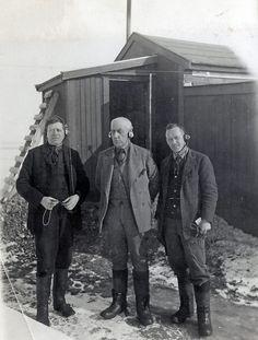 Roald Amundsen i Ny-Ålesund by Norwegian Polar Institute Roald Amundsen, Svalbard Norway, Arctic Explorers, David Livingstone, Norway Viking, Alesund, Central Asia, Outdoor Photography, Archipelago