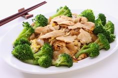 Chicken and Broccoli Stir-Fry Recipe: A great quick dinner idea, perfect for when you get in from work and you need some fast, healthy food. Kids love chicken and broccoli and this simple, tasty dish is gluten-free and low carb. Made with Massel's Concrentrated Liquid Stock and Vegetable All Purpose Bouillon & Seasoning Granules. #glutenfree #lowcarb #kosher #lowfat