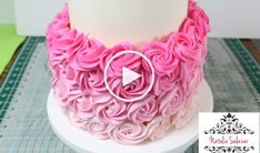 Cake Decorating Piping, Cupcake Cakes, Cupcakes, Cake Pops, Sweet Recipes, Frosting, Bakery, Crochet Necklace, Birthday Cake