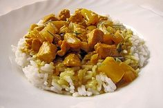 Chicken-pineapple curry with rice from the hot-as-hell chef Whole30 Recipes Lunch, Rice Recipes For Dinner, Healthy Recipes, Healthy Food, Pineapple Curry, Pineapple Chicken, Tartiflette Recipe, Law Carb, Calories In Vegetables