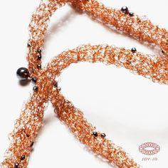 Symbiosis: copper and hematite.