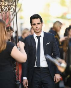 """I feel uncomfortably close to this character sometimes… I don't feel nearly as brave or heroic, but I do relate to his sensitivity."" Max Minghella on his character Nick at the Season 2 Premiere of. Handmaids Tale Costume, A Handmaids Tale, Perfect Movie, Margaret Atwood, Man Crush, Celebrity Crush, Gq, Sexy Men, Movie Tv"
