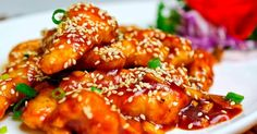 Sesame chicken is a dish commonly found in Chinese restaurants. it makes a perfect sesame chicken. Top Recipes, Rice Recipes, Casserole Recipes, Paleo Recipes, Chicken Recipes, Delicious Recipes, Honey Chicken, Fried Chicken, Chinese Sesame Chicken
