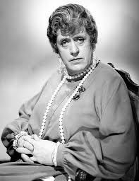 Alastair Sim as Miss Fritton Headmistress of St Trinians English Comedy, British Comedy, British Actors, St Trinians, Funny People, Funny Men, Music Tv, Actors & Actresses, Comedy Actors