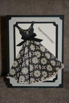 Good idea for paper dress card ❤️❤️ Homemade Birthday Cards, Homemade Cards, Cute Cards, Diy Cards, Fall Craft Fairs, Scrapbooking Photo, Dress Card, Creative Cards, Folded Cards