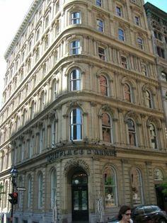 Hotel Place d'Armes, Vieux Montréal...